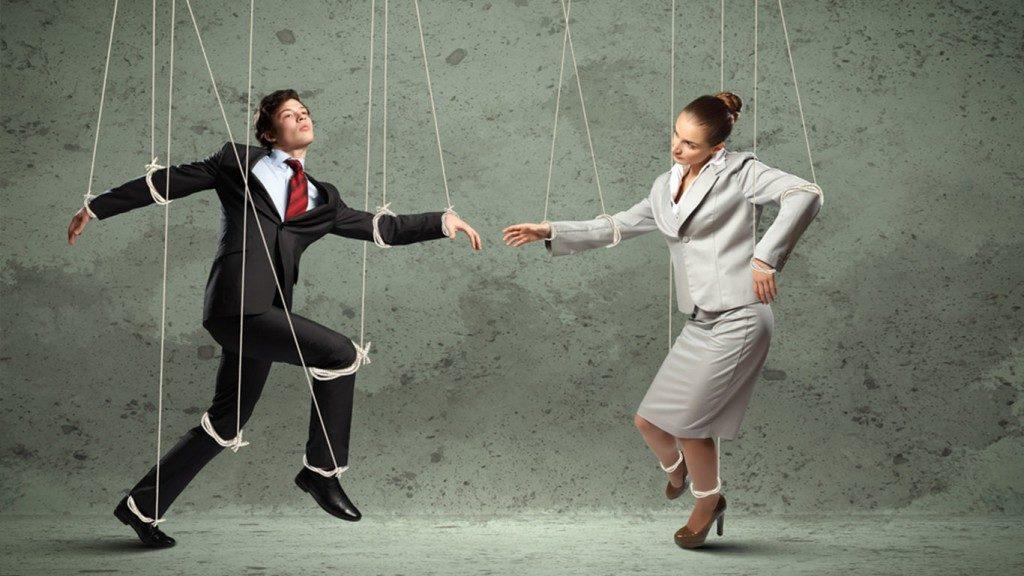 11 способов манипуляции людьми