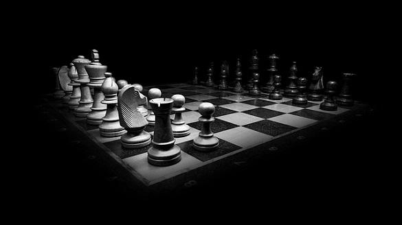 Шахматы в черно-белом цвете
