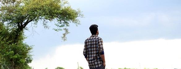 Мужчина, деревья, небо
