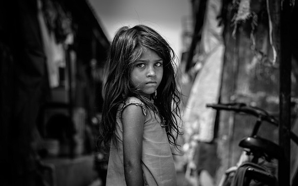 Черное бело фото девочки